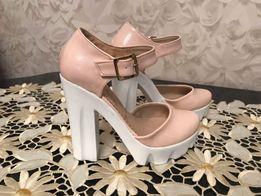 Продам женские туфли пудрового цвета
