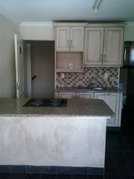 Gold Stone 10 Bachelor for rent