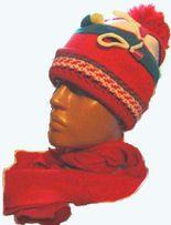 Шапка и шарф трикотажные на девочку