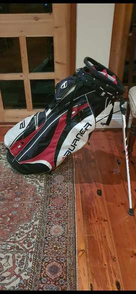 Taylormade stand bag in near perfect condition
