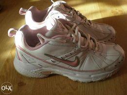 Buty Nike roz. 38.5