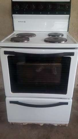 Kelvinstor 4 plate stove and oven