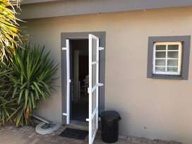 Westdene Bachelor Flat to let R3800, wifi and Dstv