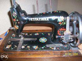 Продам антикварную швейную машинку VESTAZINHA