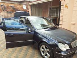 I am selling a Mercedes kompressor C180 in a good driving condition