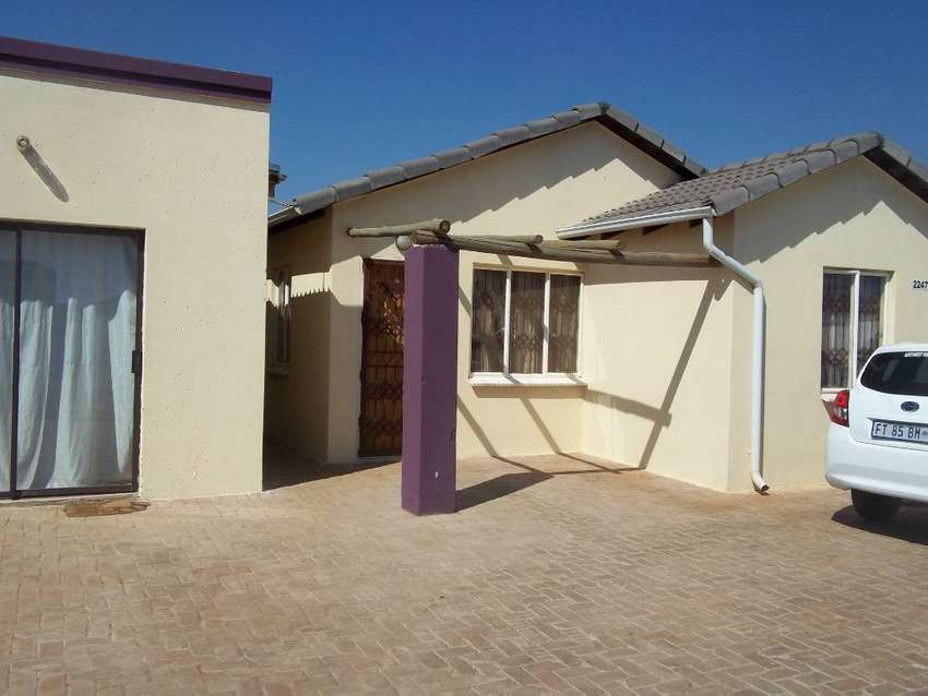 House for sale in Protea Glen Ext 22 0