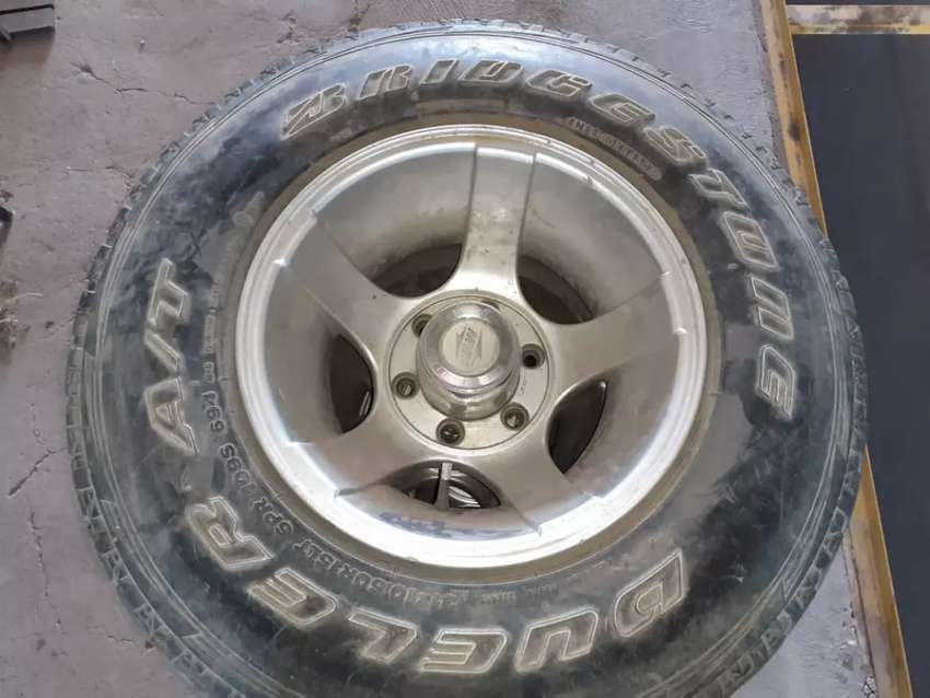 15 inch 10 J mags with tyres 6 hole 0