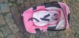 Car Seat for newborns to 6 months
