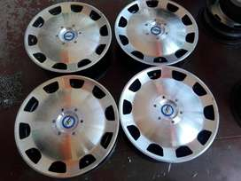 Guestro wheels size 17 ,5/114.3 pcd aset still in good condition