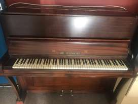 Carl Gruemayer piano