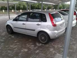 Ford fiesta 1.4 2006 model solid and neat car