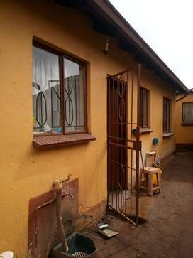 2 bedroom house for rental in Tembisa for  R4,600. No deposit required
