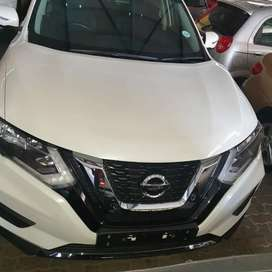 2018 Nissan X-Trail 2.5 4x4 with 7 seats leather seats