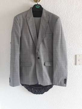 USED MEN'S SUITS