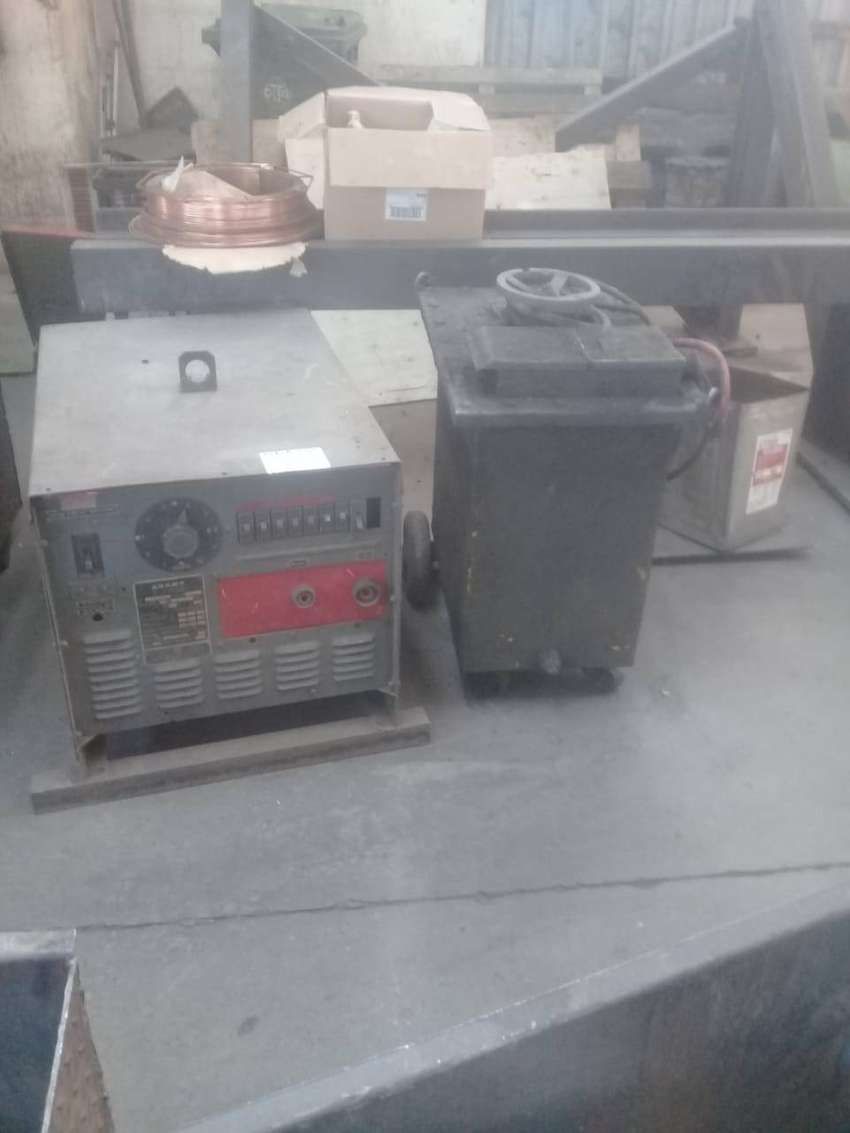 Used Industrial DC/AC Arc welding machines for sale 0