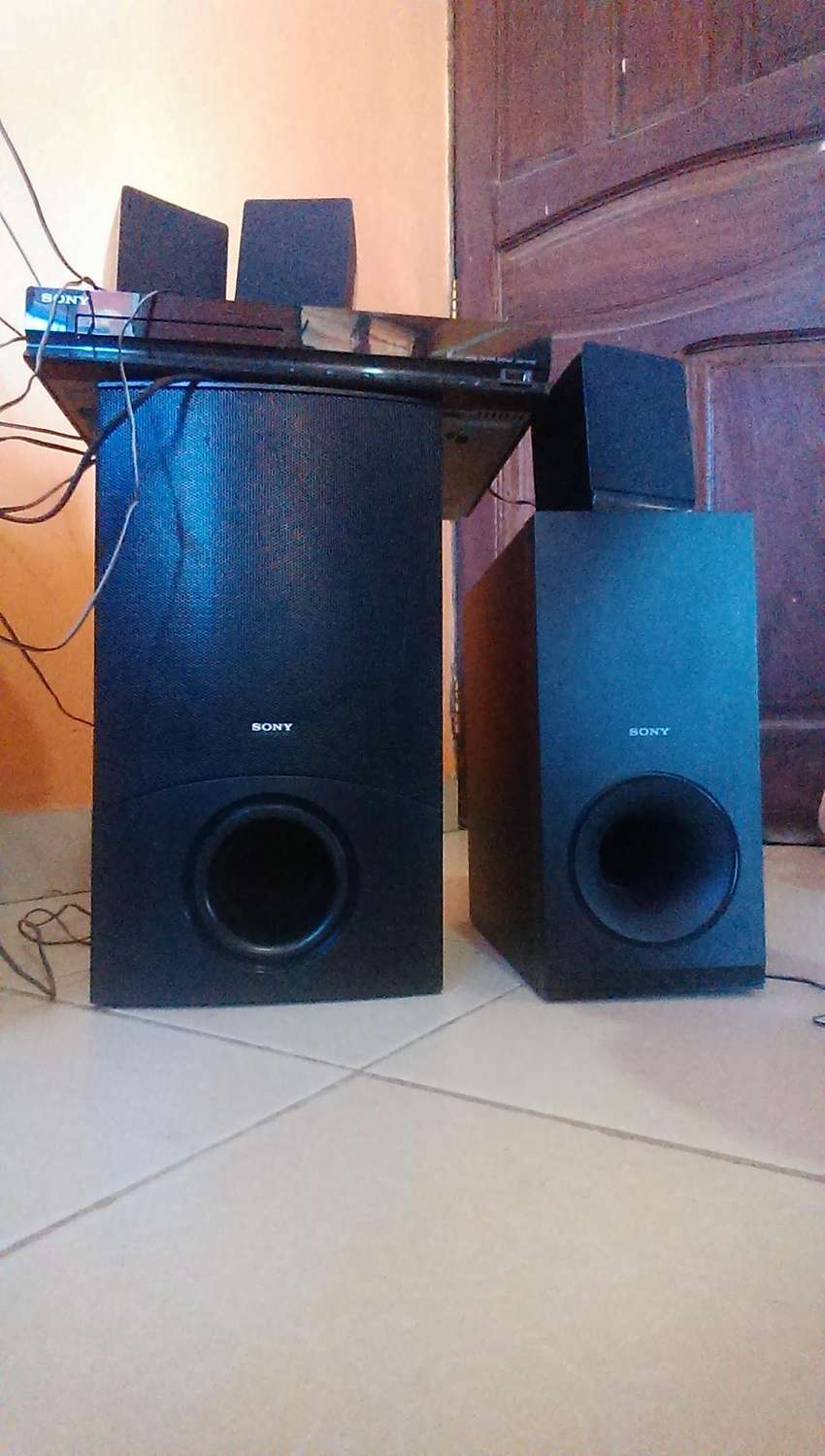 sony home theatre 1000 watts, three months old 0
