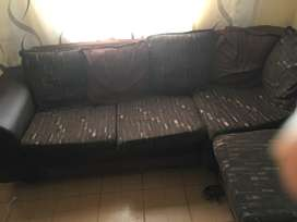 Selling sofas 6 months used