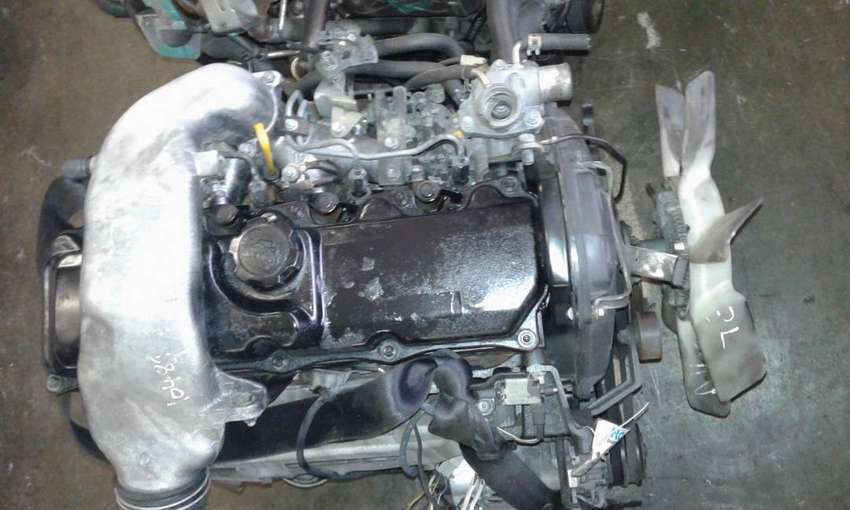 Toyota HiAce 3L 2.8 engine for sale 0