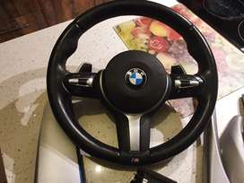 M SPORTS Steering wheel with paddle shifters