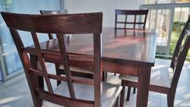 Dining room table and 4 matching chairs