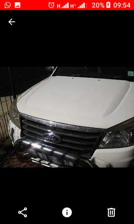 White Ford 2010 Everest for sale R75 000 neg. Condition good; Urgent