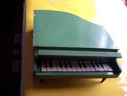 Рояль детская игрушка музыкальная -винтаж -60-70 годы