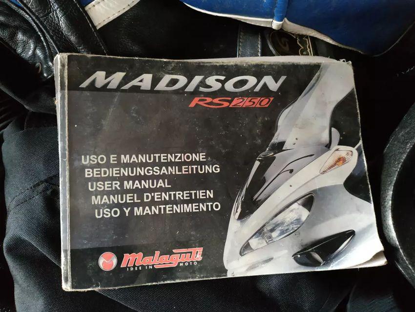 Návod k obsluze Malaguti Madison RS250 0