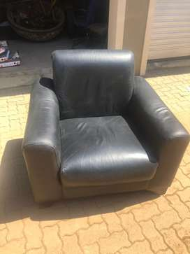 2x leather couch