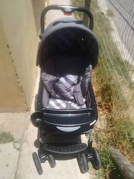 Selling baby stroller with a car seat
