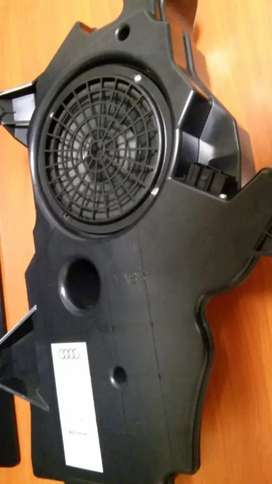 Audi A3 8p genuine subwoofer