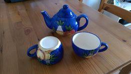 Zestaw czajniczek i 2 filiżanki do herbaty lub kawy REZERWACJA
