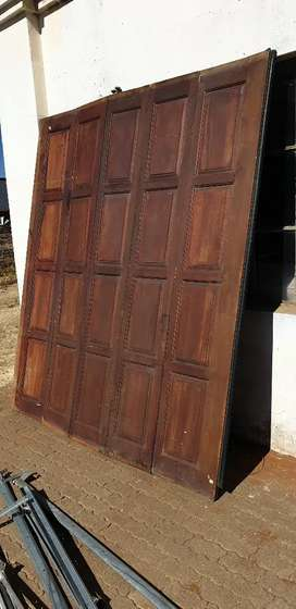 Wooden Garage door with electric motor