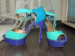 Летние яркие босоножки на каблуке Plato , в магазине они 1000 и выше!