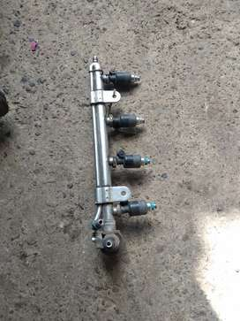 VW polo fuel rail with injectors
