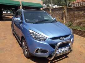 2014 hyundai ix35 2.0 automatic with a panaromic sunroof for sale