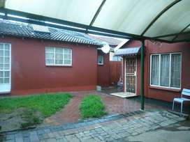 1bed house, sep sitting ,kitchen, toile/shower EXT6 Ebony Park