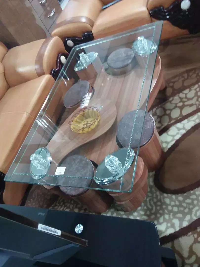 Quick sale. Glass table 0
