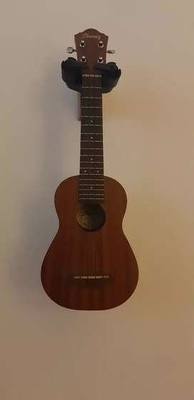 Ibanez UKS10 Soprano Ukulele with bag