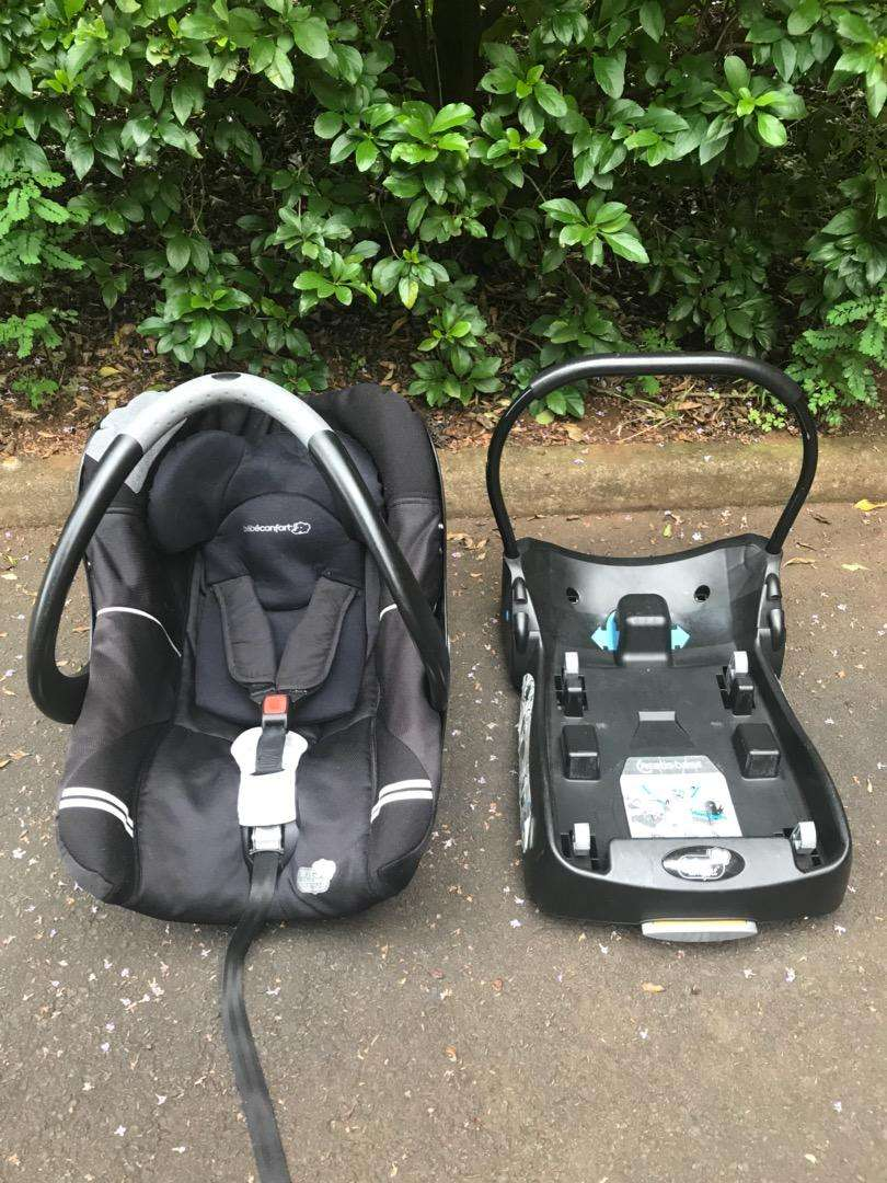 Bebe Confort Car Seat and Base 0