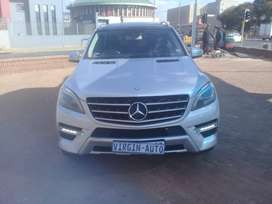 Mercedes Benz ML 500 4Matic 2013 model for sale