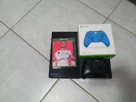Xbox one + 2 controllers + Fifa 20