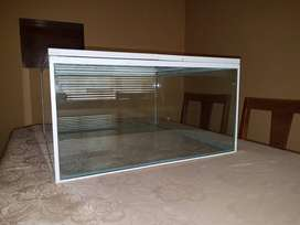 Fish tank glass top