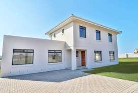 4 Bedroom House for sale in Kidds Beach