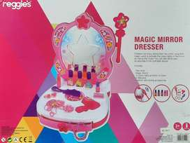 Magic Mirror Dresser - Battery operated (New)