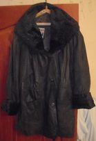 Куртка женская кожаная с каракулевым воротником