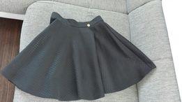Spódnica czarna rozkloszowana rozm XS