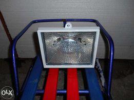 Продам Лампу галогенную для освещения Brilux 500w новая