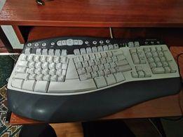 Стационарный компьютер, монитор, колонки, клавиатура