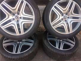 AMG set of mags and tyres 285/40/21 pirelli normal now available
