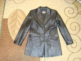 Продаю куртку пиджак кожаный женский